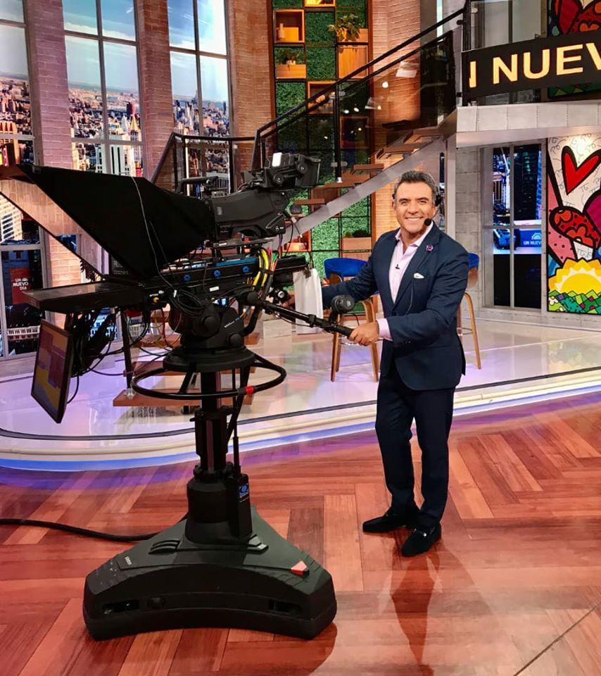 Héctor Sandarti conducirá nuevo programa en México
