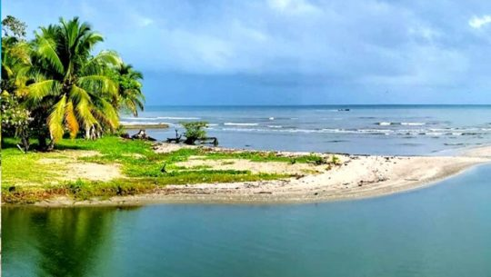 Las playas de Guatemala que colindan con el océano Atlántico