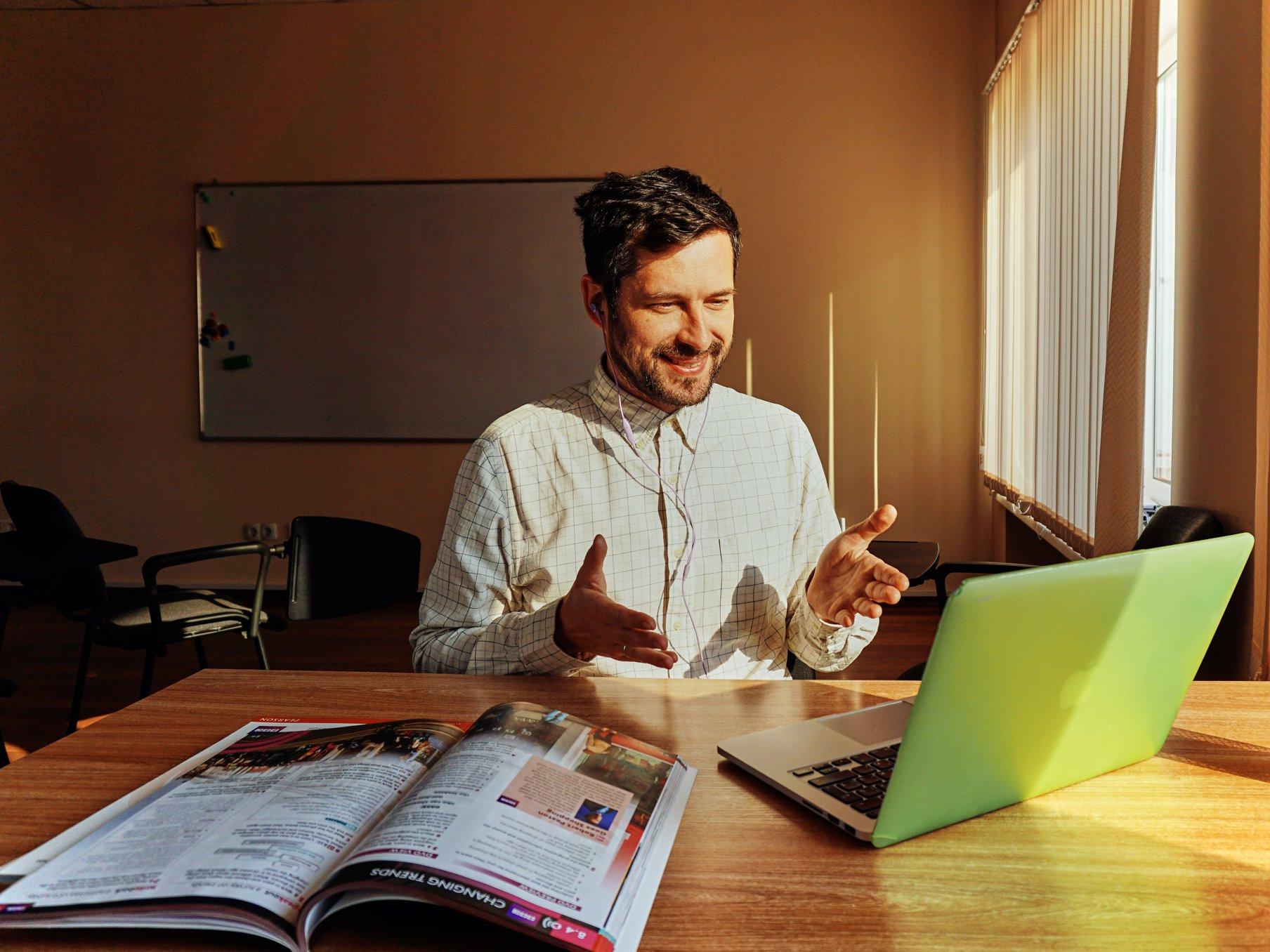 Programa Valentina ofrece licencias gratuitas de Coursera con más de 3,800 cursos