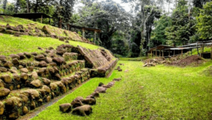 Tour virtual por el sitio arqueológico Takalik Abaj   Junio 2020