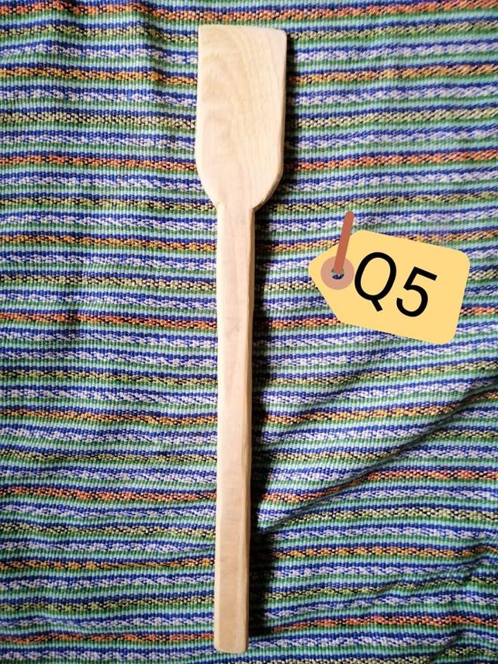 Vende utensilios de cocina que hace a mano COVID-19