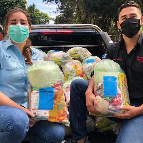 covid-19-clubes-rotarios-guatemala-entregan-viveres-comunidades-guatemaltecas-canastas-azucar-frijol-incaparina