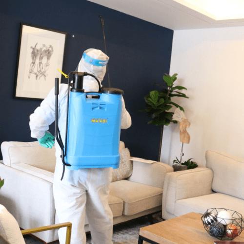 ofrece servicios de limpieza en espacios físicos durante COVID-19