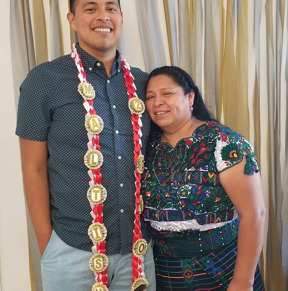 originario de Huehuetenango, se graduó de médico y cirujano en Harvard