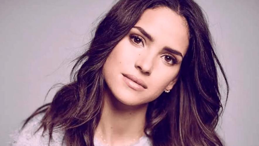 Adria, hija de Ricardo Arjona es la imagen del nuevo perfume de Giorgio Armani