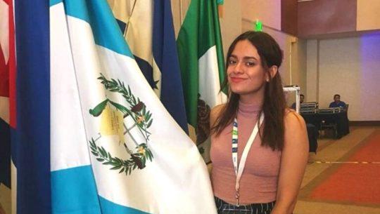 Andrea López recibió el premio The Diana Award por su labor social en Guatemala