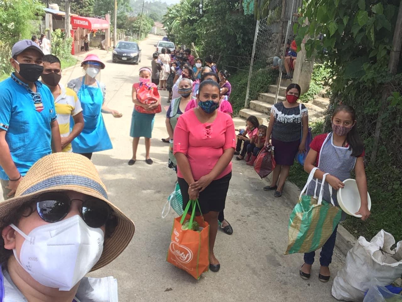 Canastas mejoradas de víveres a familias de escasos recursos Guatemala COVID-19