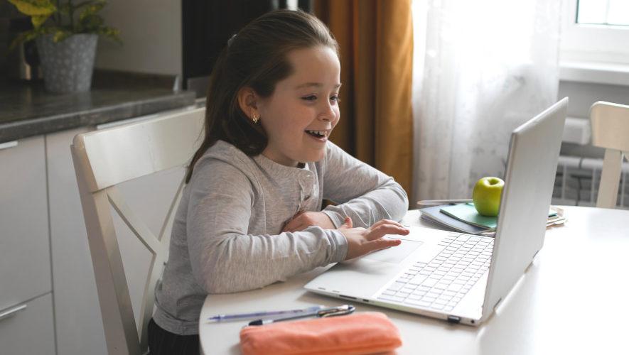 Capacitaciones educativas gratis «Dale Click al Aprendizaje» en Guatemala