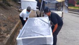 Guatemalteco, recuperado de COVID-19, donó camas a hospital de Antigua Guatemala