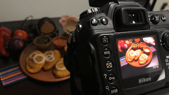 Guatemaltecos toman fotografías gratis a emprendimientos