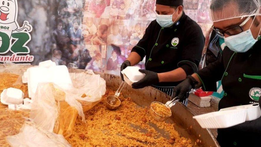 Intercambio de paella por víveres para personas necesitadas | Agosto 2020