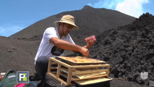 Mario García destacó en reportaje de Primer Impacto por cocinar pizza en el Volcán de Pacaya