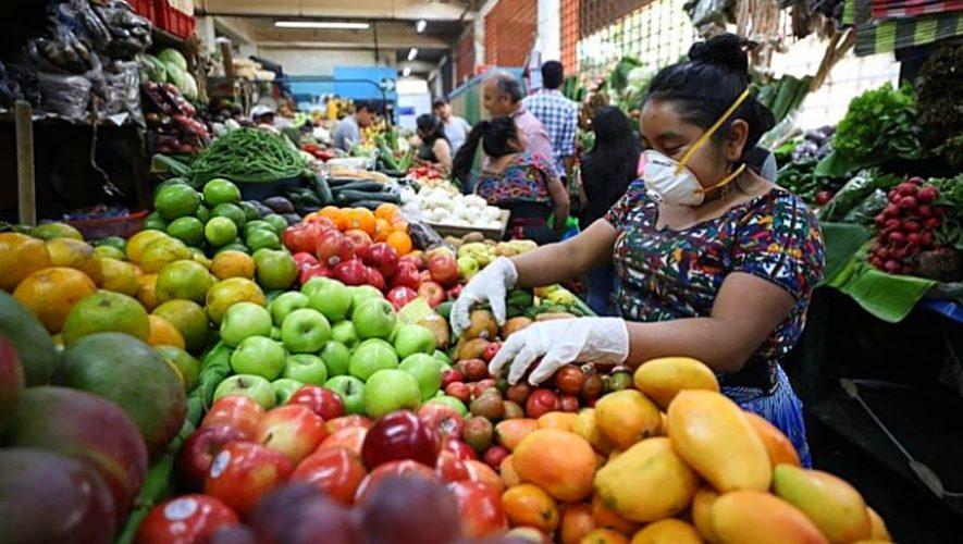 Guatemaltecos crean un mercado a domicilio en la Ciudad de Guatemala para ayudar a agricultores