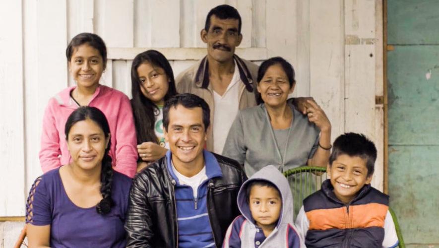 Minidocumental de Jayro Bustamante refleja la solidaridad de los guatemaltecos