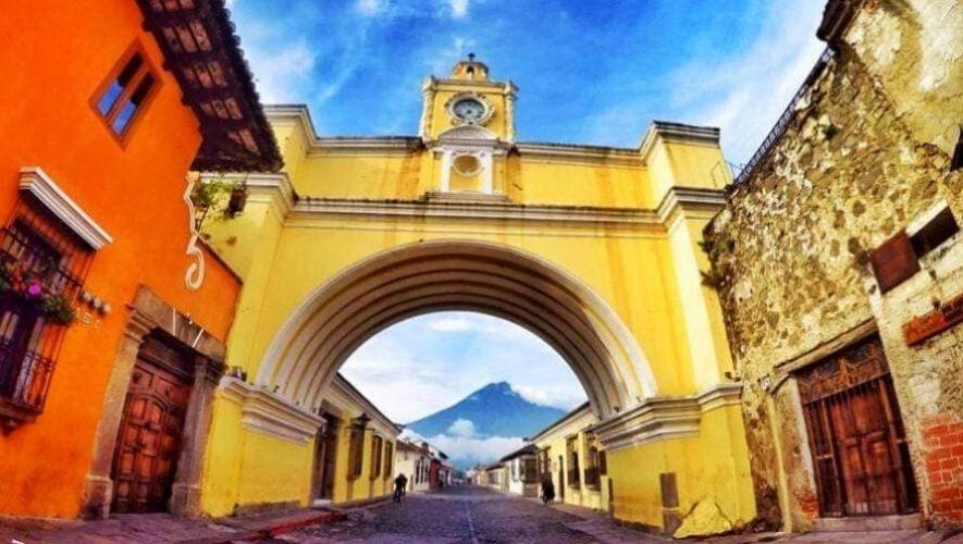 Tour virtual e histórico por Antigua Guatemala | Agosto 2020