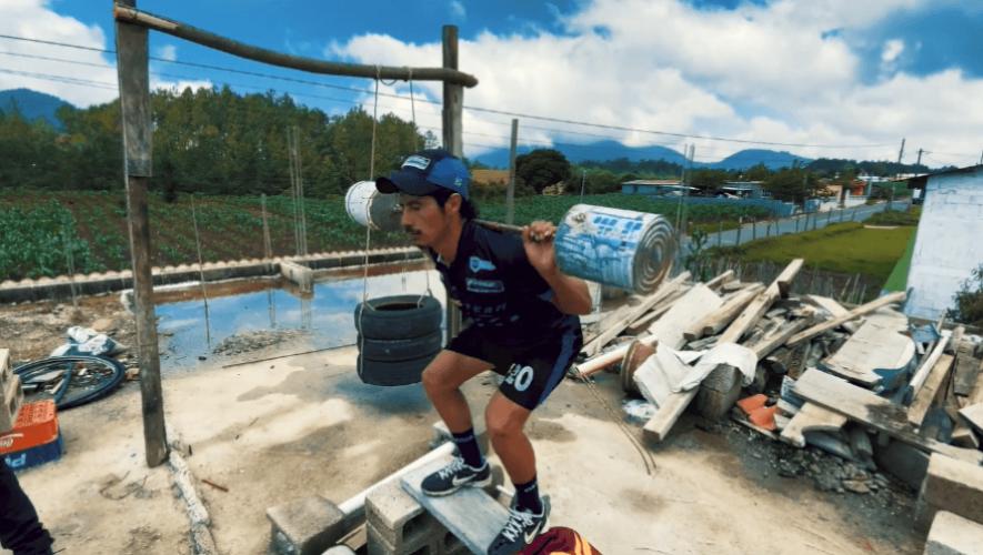 Univisión destacó a ciclista guatemalteco por su creatividad de hacer un gimnasio en casa