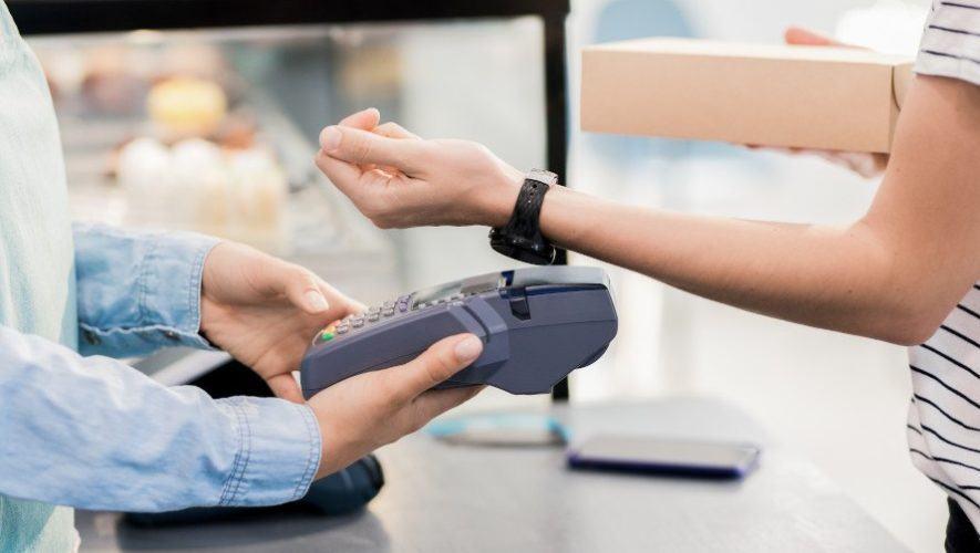 Banco Industrial ofrece pagos sin contacto con tu reloj inteligente en Guatemala