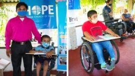 Beeline Wheelchairsdonaron sillas de ruedas para personas con discapacidad en Poptún, Petén