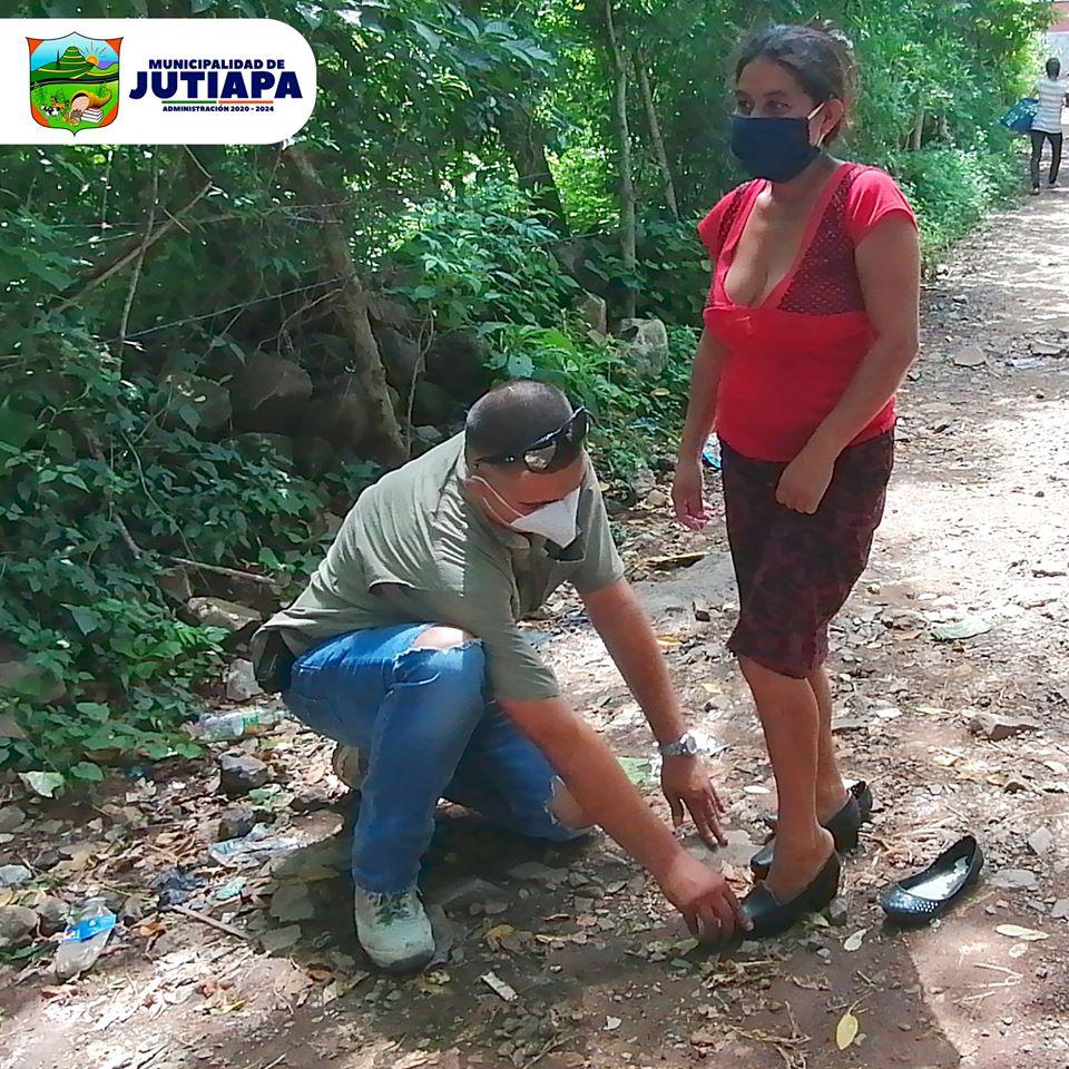 Calzado González donó zapatos nuevos a mujeres de escasos recursos