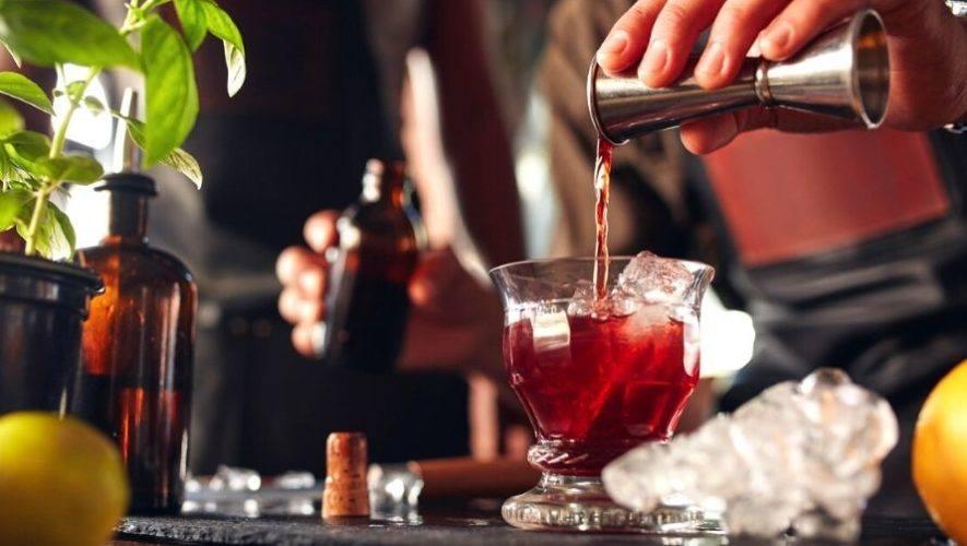 Clase virtual gratuita para aprender a preparar cocteles en casa | Agosto 2020