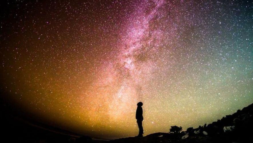 Club de lectura en línea para fanáticos de la astronomía | 2020