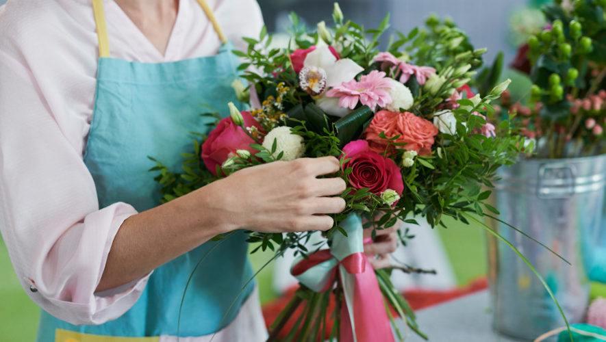 Taller gratuito para aprender a hacer un centro de mesa con flores   Agosto 2020