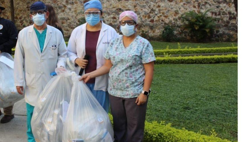 Colegio-de-Medicos-y-Cirujanos-dono-kits-de-proteccion-personal-al-Hospital-General-San-Juan-de-Dios