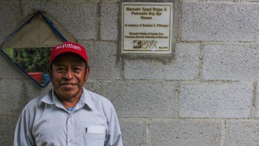 Fundacion-Carlos-Novella-dona-material-para-construccion-de-casas-en-Sacatepequez.