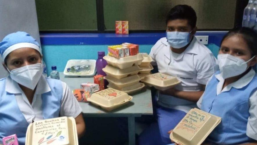 Jovenes-donan-alimentos-a-medicos-del-Hospital-General
