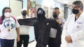 Médicos del Hospital General San Juan de Dios reciben donación de equipos de protección personal