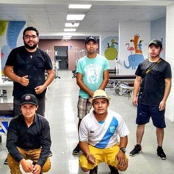 artistas-fraijanes-pintaron-murales-nuevo-hospital-santa-lucia-cotzumalguapa-colectivo