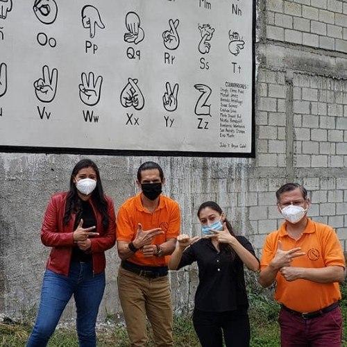 inauguran-primer-mural-lengua-senas-centroamerica-chimaltenango-guatemala