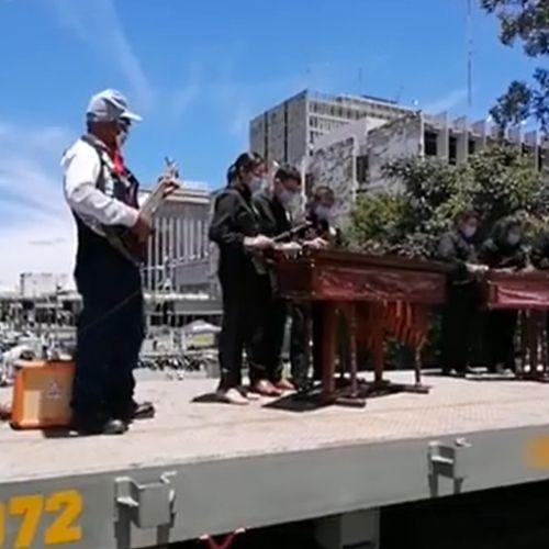 locomotora-902-vapor-hizo-recorrido-ciudad-guatemala-conjunto-marimba-voz-fegua