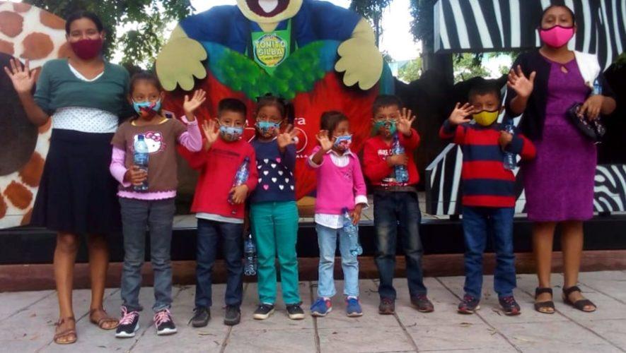 ninos-retalhuleu-ganadores-concurso-civico-visitaron-zoologico-la-aurora