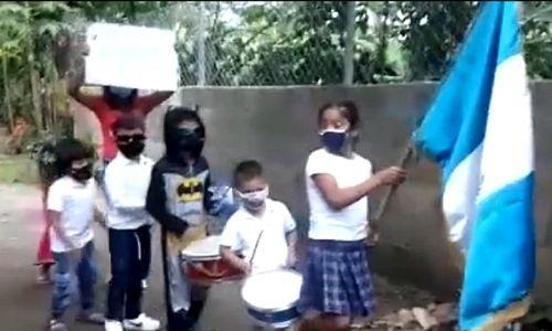 ninos-retalhuleu-participan-concurso-ganarse-visita-zoologico-aurora-guatemala-patria