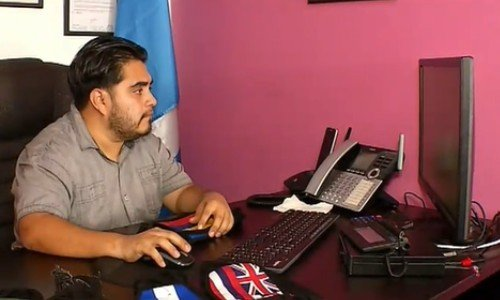 telemundo-destaco-pareja-guatemalteca-creo-emprendimiento-mascarillas-ventas-en-linea