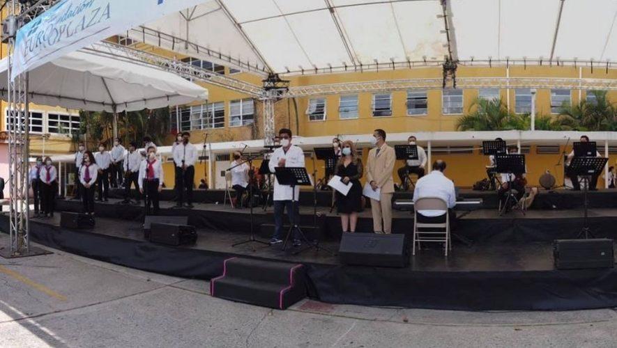 Artistas guatemaltecos realizaron concierto para rendir homenaje al personal de salud