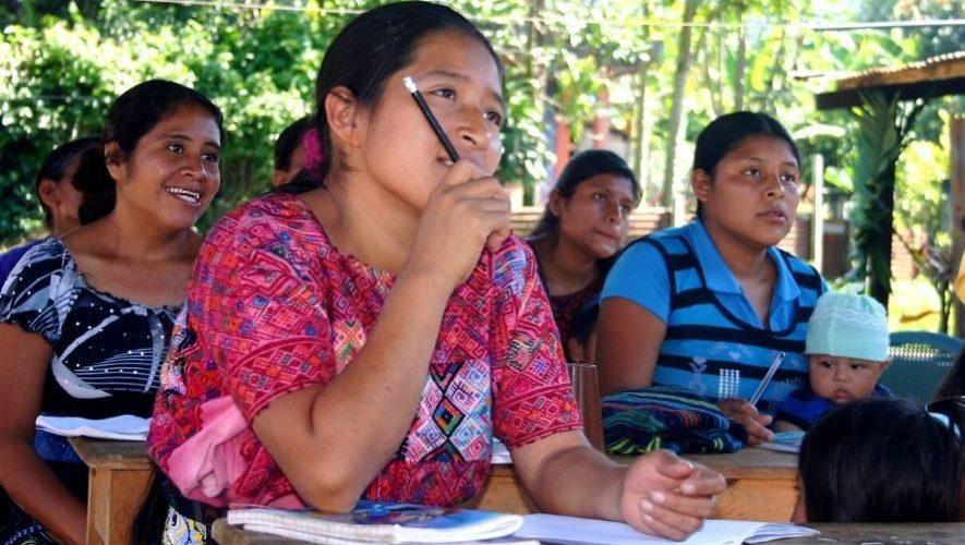 Charlas de capacitación tributaria en idiomas mayas   Octubre 2020