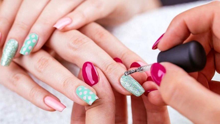 Clase gratuita para aprender a decorar uñas | Octubre 2020
