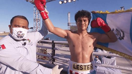 Lester Martínez noqueó a Michi Muñoz en su sexta pelea profesional, octubre 2020