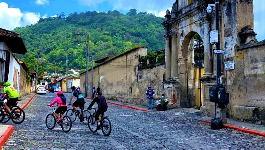 Tour en bicicleta para conocer la historia de Antigua Guatemala Octubre 2020 (2)