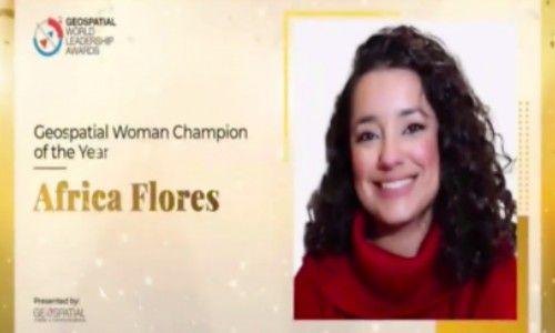 africa-flores-reconocida-mujer-campeona-geoespacial-2020-premio-reconocimiento