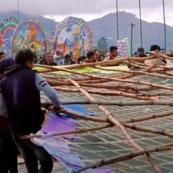 barriletes-gigantes-sumpango-destacados-video-ajplus-espanol-festival-virtual-2020