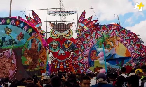 barriletes-gigantes-sumpango-destacados-video-ajplus-espanol-reportaje-color-viento-muerte