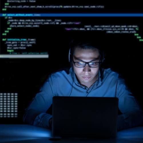 becas-disponibles-guatemaltecos-aplicar-programa-back-end-2021-core-code-io