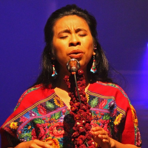cantante-kaqchikel-sara-curruchich-estreno-dos-nuevas-canciones-leyenda-siguanaba