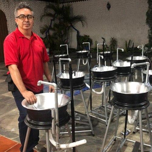 estudiantes-usac-entregaron-lavamanos-capalav-municipios-quiche-elaboración-fabricacion