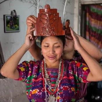 fotoreportaje-reinas-indigenas-mayas-guatemala-compartido-the-guardian-celebracion-coronacion
