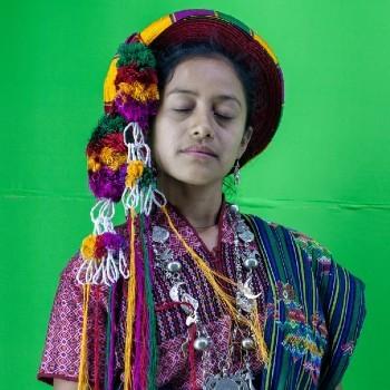fotoreportaje-reinas-indigenas-mayas-guatemala-compartido-the-guardian-jovenes-guatemaltecas