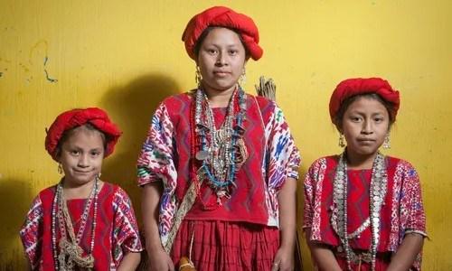 fotoreportaje-reinas-indigenas-mayas-guatemala-compartido-the-guardian-rostros-retratos